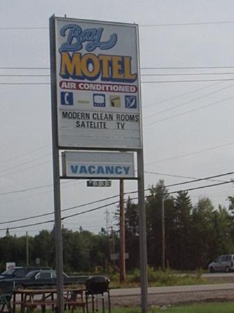 Bay Motel road sign