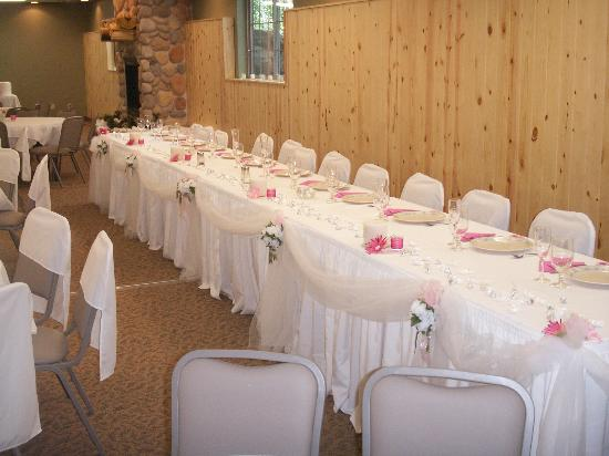 Whitefish Lodge and Suites: our head table