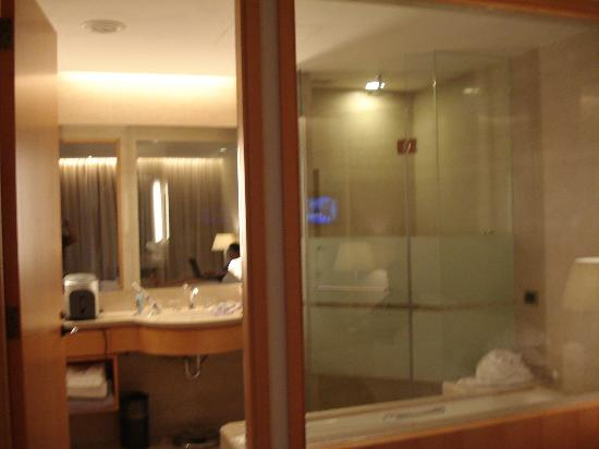 Windsor Hotel Taichung: Very nice bathroom