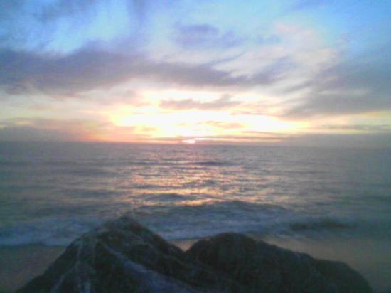 Pacifica, CA: Sunset at the Sea Breeze Motel - beautiful!