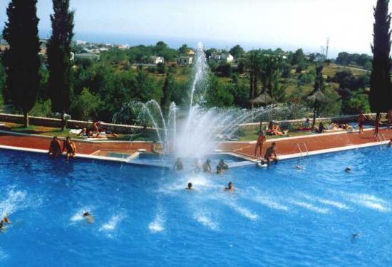Paramount Places Spain : Main swimming pool at Paramount Places in Vilanova Park