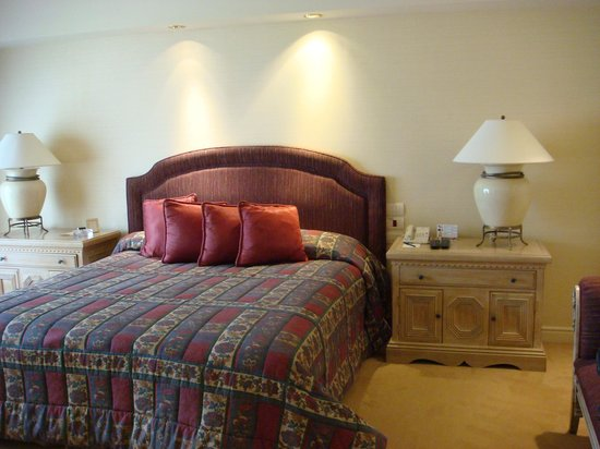 Iguazu Grand Resort, Spa & Casino: Bedroom in the Master Suite