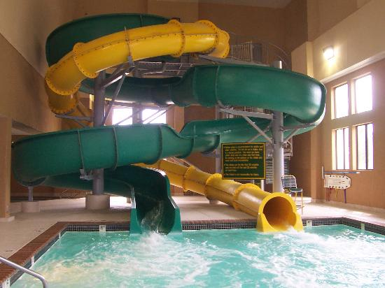 Holiday Inn Kearney: Water Slides