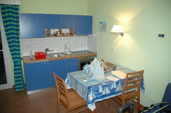 Vrsar, Croacia: Apartment kitchen