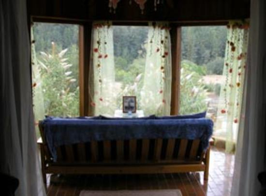 Shambhala Ranch - A Mendocino County Retreat Center: This was my room -fabulous!