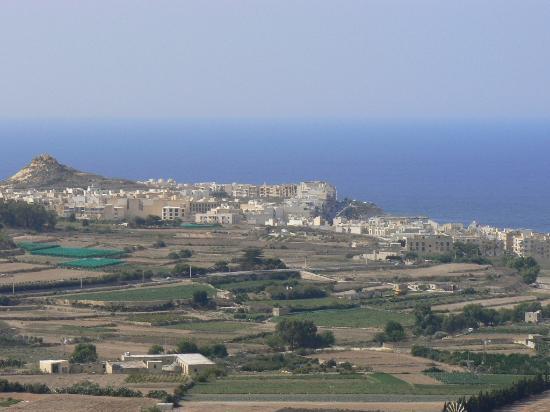 Cornucopia Hotel: View from Cornucopia over the Marsalform Valley