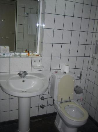 Yigitalp Hotel: Baño