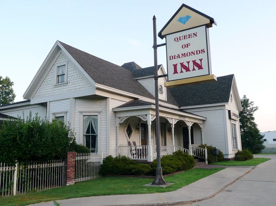 Photo of Queen of Diamonds Inn Murfreesboro