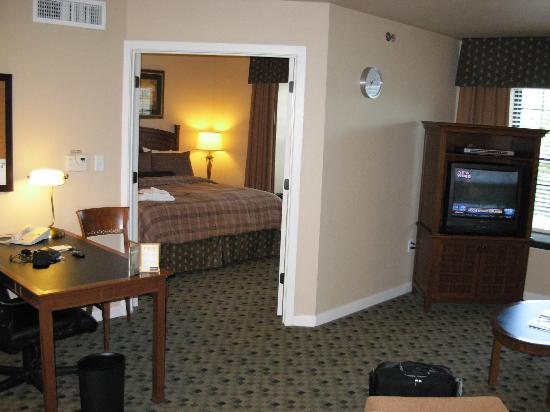HYATT house Parsippany-East: Desk area - internet access is wireless
