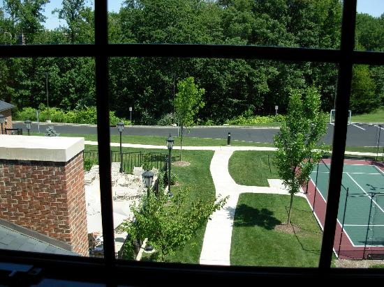 HYATT house Parsippany-East: View out the bedroom window