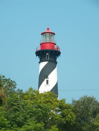 Saint Augustine Beach, Floride : St. Augustine Lighthouse as viewed from the road