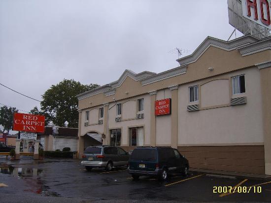 Red Carpet Inn Elmwood Park : Front-1