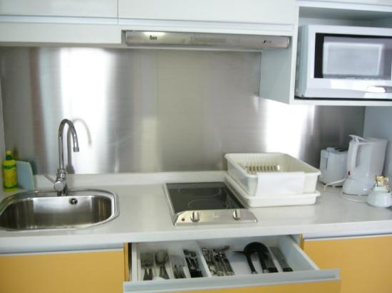 Citadines Sukhumvit 11 Bangkok: Kitchen Utilities (picture Courtesy Of  Connie Cheng At Pbase)