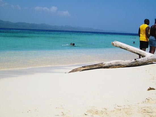 Paradise Island & The Mangroves (Cayo Arena): On Paradise island
