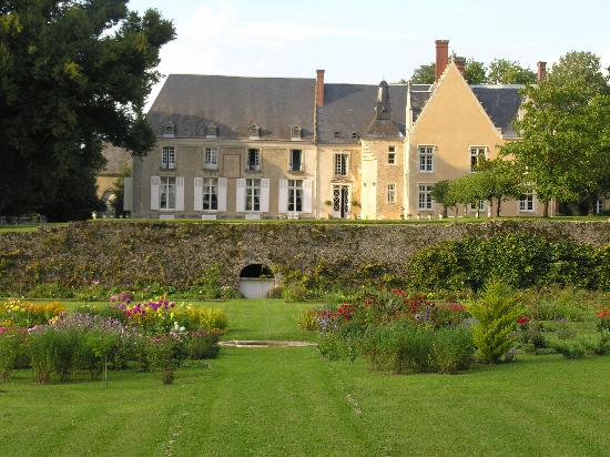 Chateau de la Barre : New view of the Chateau from the Garden
