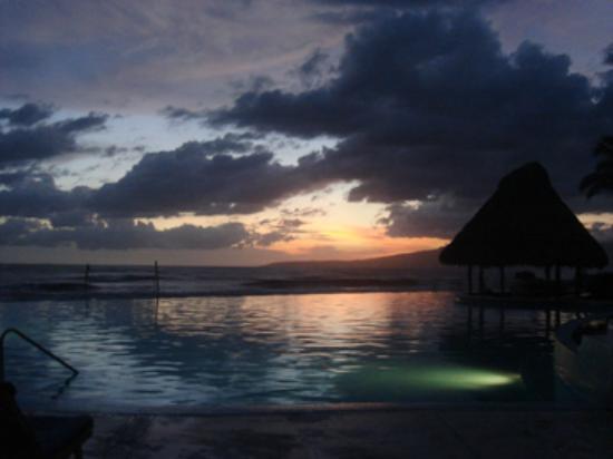 Grand Velas Riviera Nayarit: Night Pool