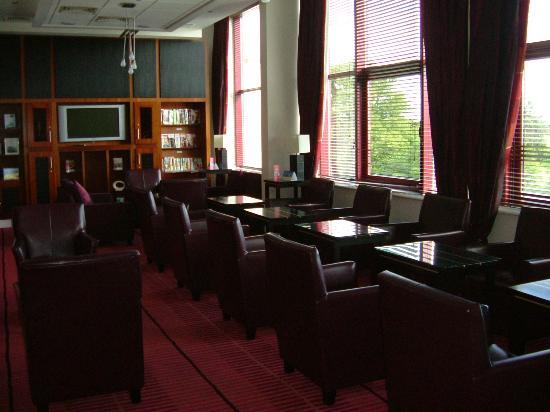 Crowne Plaza Hotel Dublin Airport: Club Lounge - seating