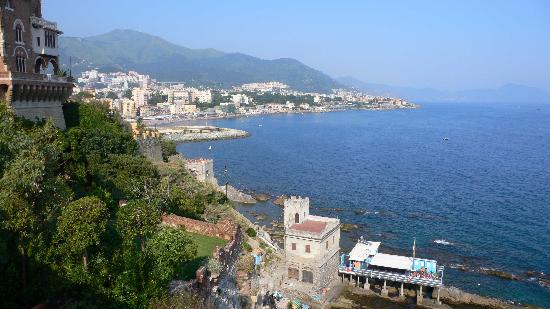 Genua, Italië: the view from the top 2