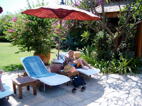 The Hotel at Tharabar Gate: The Hotel @ Tharabar Gate Pool and sun loungers