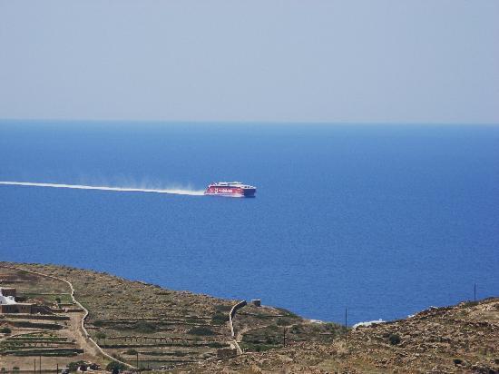 Kolitsani View: Highspeed 5 approaching port