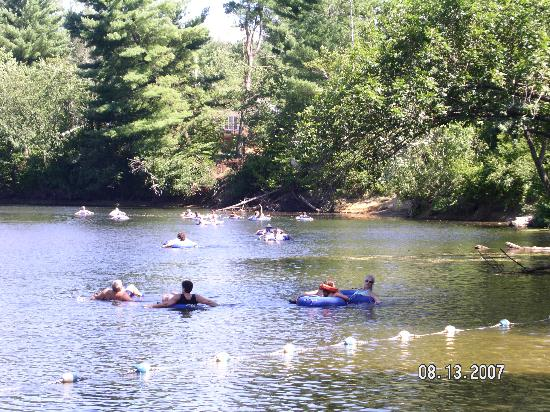 Lake George Escape Campground : Tubing past fishing to beach