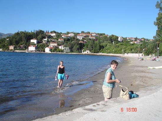 Hotel Lapad: Beach at Kolocep