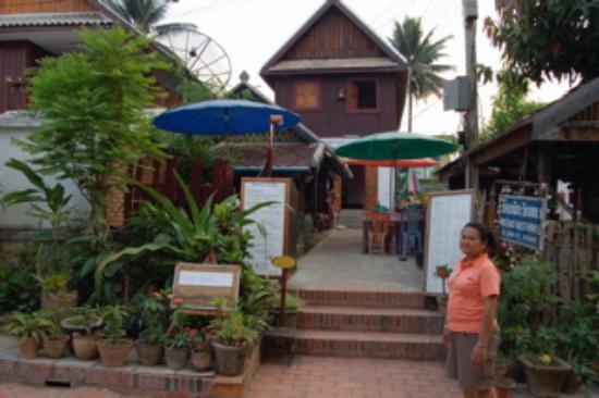 Wat That Guest House: Noy outside her Guest House