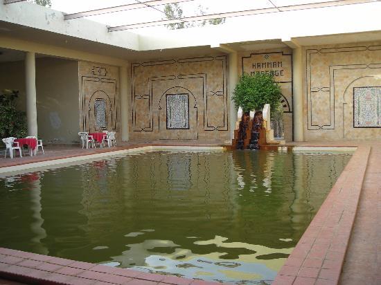 Hotel Sahara Douz: Piscina interior