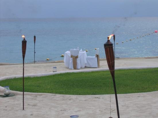 Presidente Inter-Continental Cozumel Resort & Spa: Special dinner on the beach