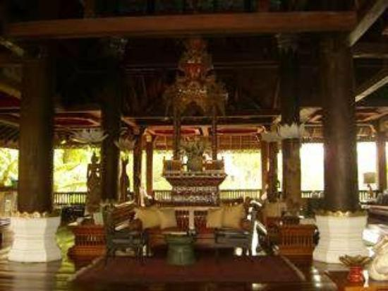 The Dhara Dhevi Chiang Mai : spa entrance