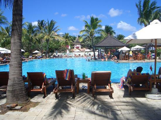 Padma Resort Legian: pool