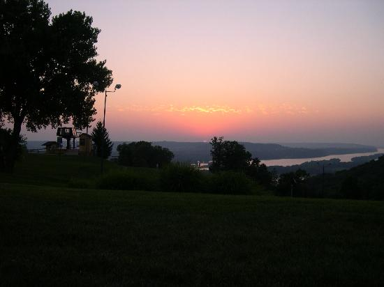Chestnut Mountain Resort: Sunset at Chestnut Mountain