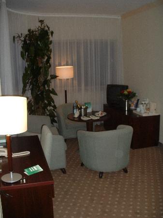Holiday Inn Vilnius: Suite Living Room