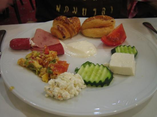 Erboy Hotel: Buffet Breakfast
