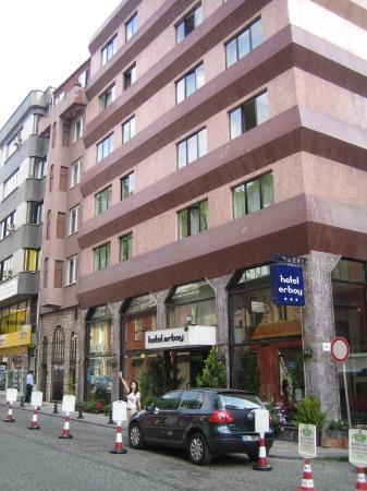 Erboy Hotel: The entrance