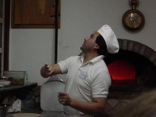 Hotel  Due Torri: demonstration of pizza making