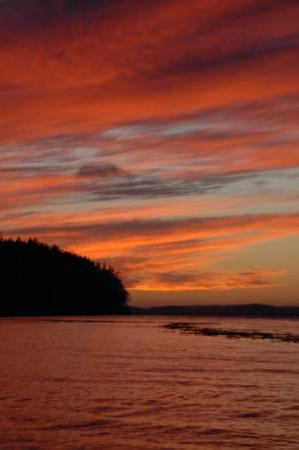 Nanaimo, Canada: Sunset over Johnstone Strait