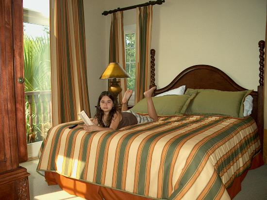 Laterra Resort & Spa: The Master room w/King Bed and our Queen .