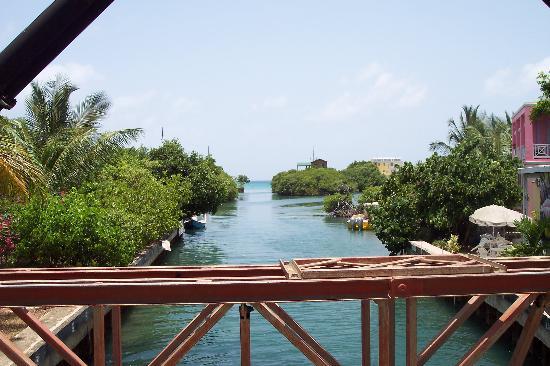 Playa Flamenco: puente