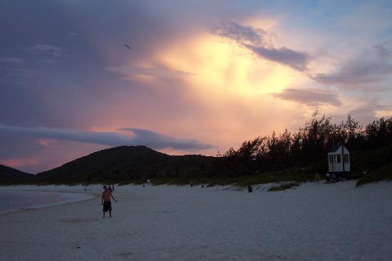 Playa Flamenco: atardecer en Flamenco
