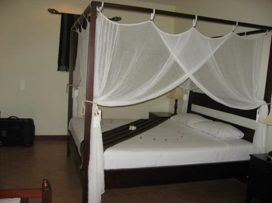 Cham Villas: our bed