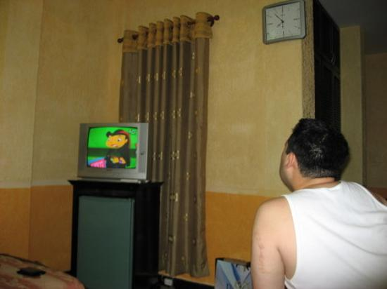 Phi Vu Hotel: T.V. with English channels