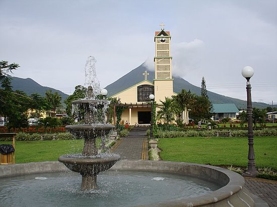 La Fortuna de San Carlos, Costa Rica: The church in the middle of Fortuna
