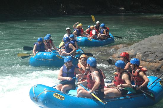 Savegre River : The groups heading out down the river