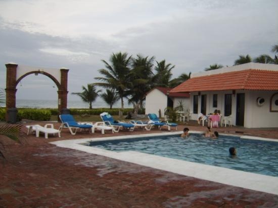 Hotel Noray: Pool and