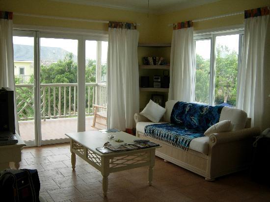 Pineapple Fields Resort: Living Room