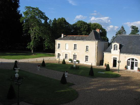 Chateau du Plessis : cottage is on the left