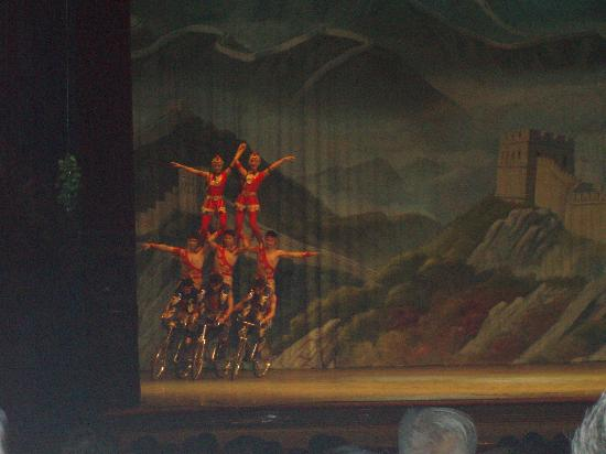 Red Lantern House: Part of the acrobat show