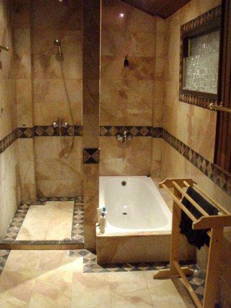 B2@Samui Beach Resort: bathroom