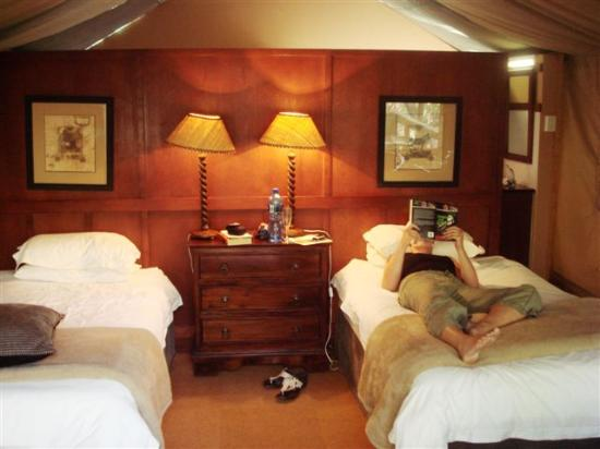Falaza Game Park & Spa: inside the tent